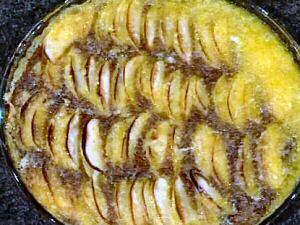 Makkelijke appeltaart in de taartvorm met vele schijfjes appel van Piet Huysentruyt